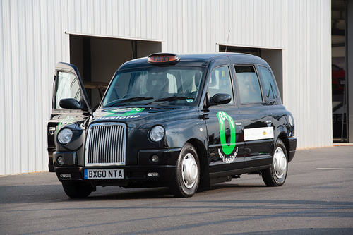Hydrogen fuel cell London taxi (Martyn @ Negaro/Flickr)